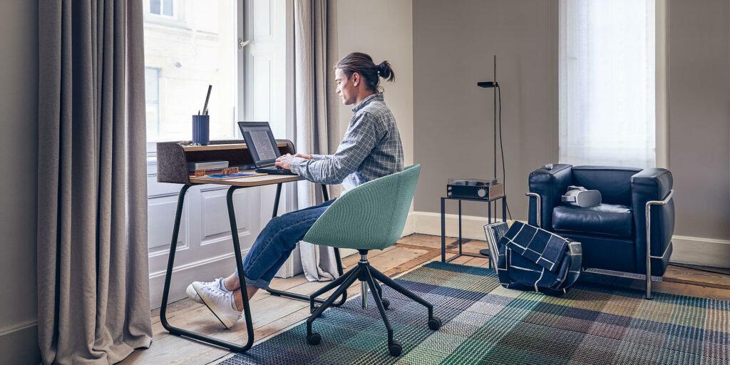 teletravail home office bureau chaise fauteuil assise ergonomique